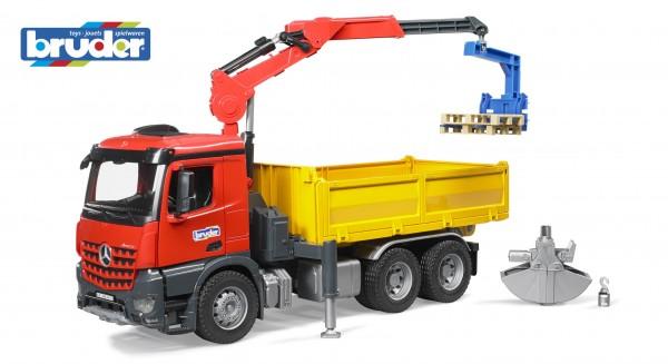 Bruder 03651 MB Arocs Baustellen-LKW mit Kran und Zubehör